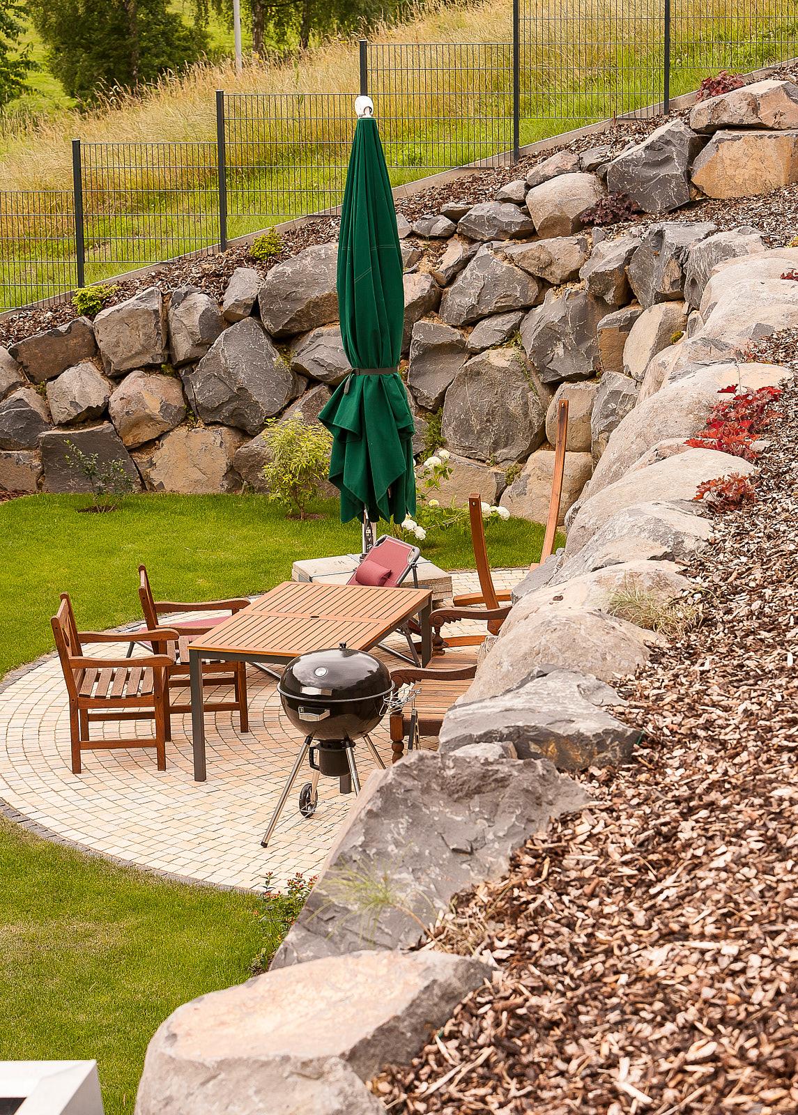 Malerisch Sitzplatz Garten Referenz Von 180623 34 Niederneisen Hang Fels